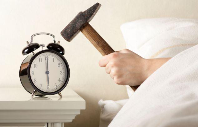 Alarm clock hammer
