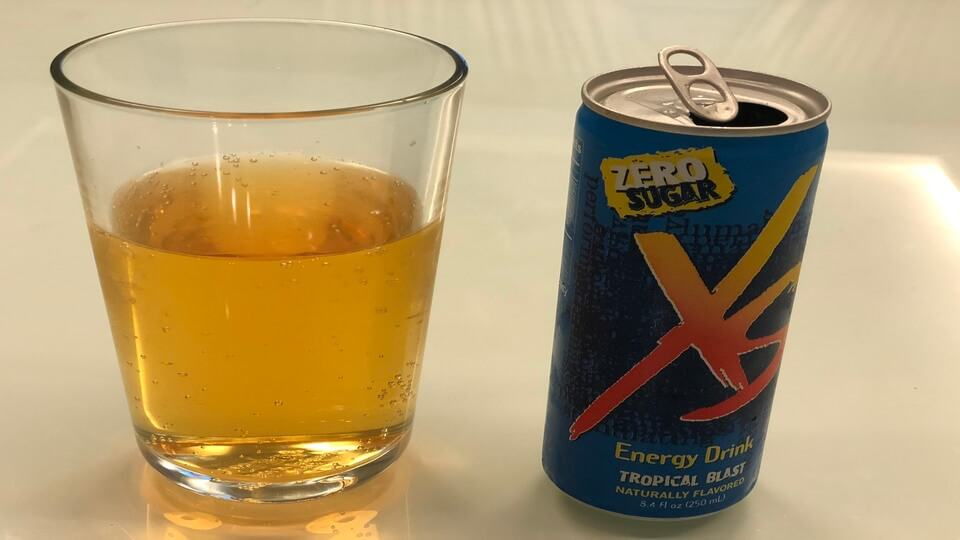 Freshly poured XS energy drink doesn't have much fizz to it.