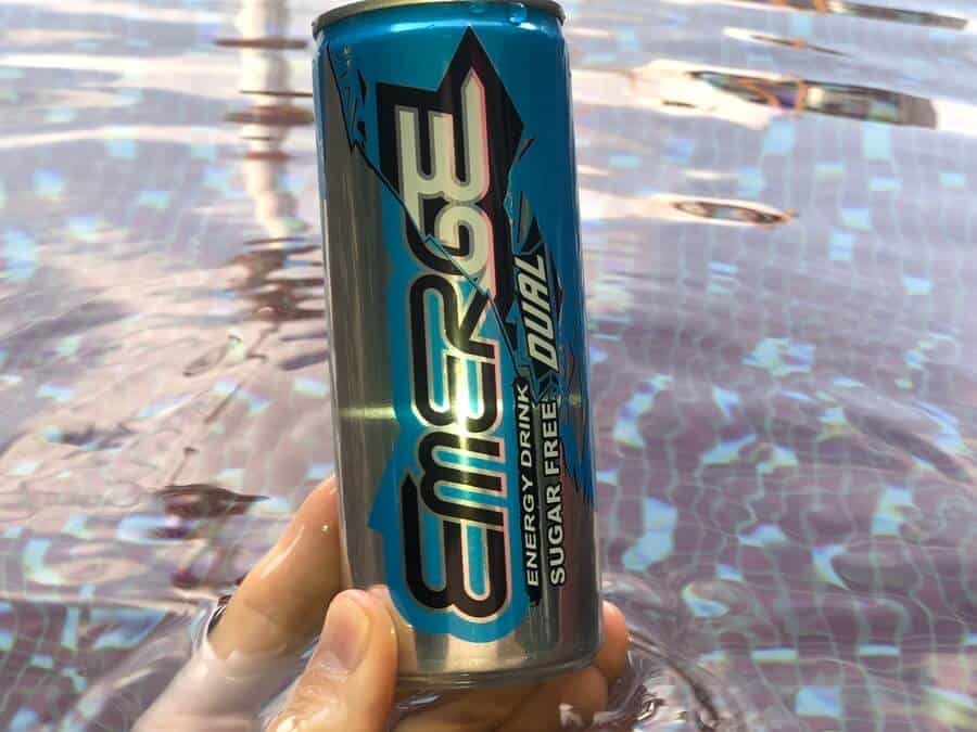 A can of Emerge Dual Sugar Free.