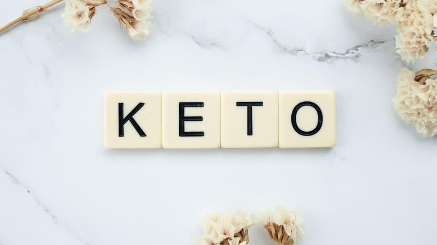 Keto spelled with alphabet blocks.